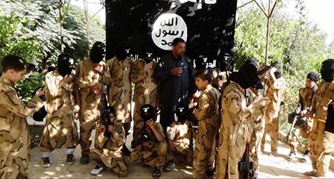 Irak: des enfants vendus, crucifiés, transformés en kamikazes et boucliers humains par «Daech» (ONU)