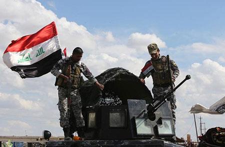 Les forces irakiennes reprennent le siège provincial à Tikrit.