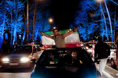 Les Iraniens célèbrent l'accord sur le nucléaire.