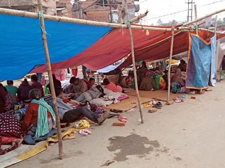 Nombreux habitants ont passé la nuit sous des tentes