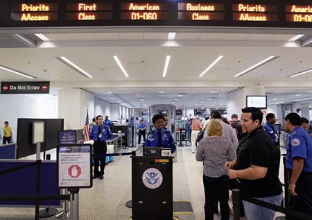 USA: des terroristes présumés embauchés dans des aéroports.