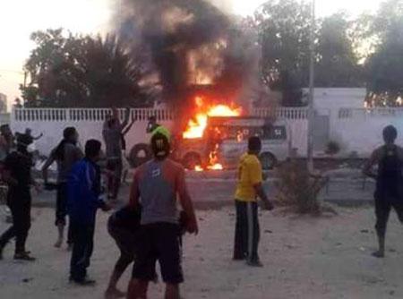 Chômage en Tunisie: couvre-feu dans une ville du sud après des violences.