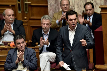 Grèce: le Parlement valide largement l'accord de Bruxelles, grâce à l'opposition.