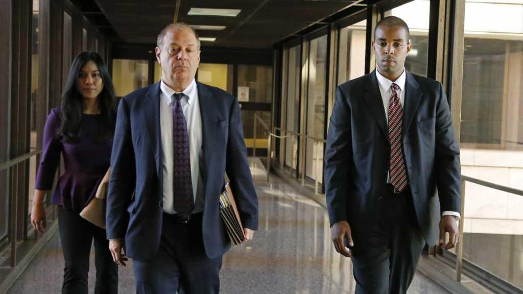 Un agent du FBI condamné à quatre ans de prison pour la fuite d'informations